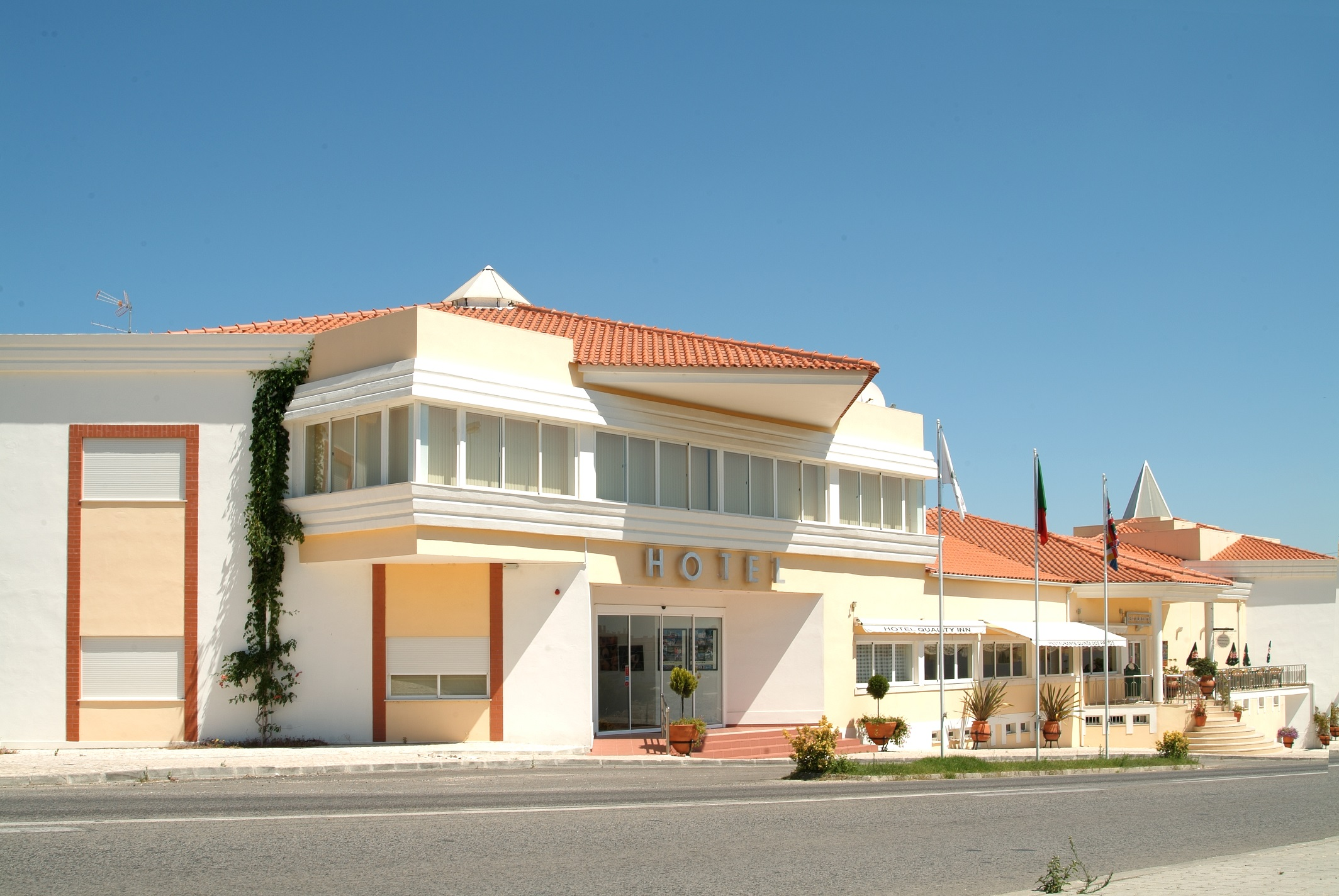 motel santo tirso classificados açores